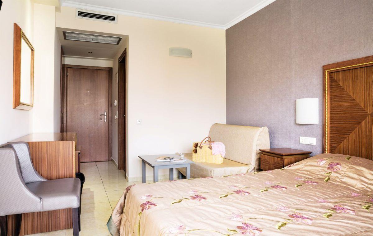 Letovanje_Hoteli_Grcka_Olimpska_Regija_Hotel_Mediterranean_Resort_Barcino_Tours-12.jpg