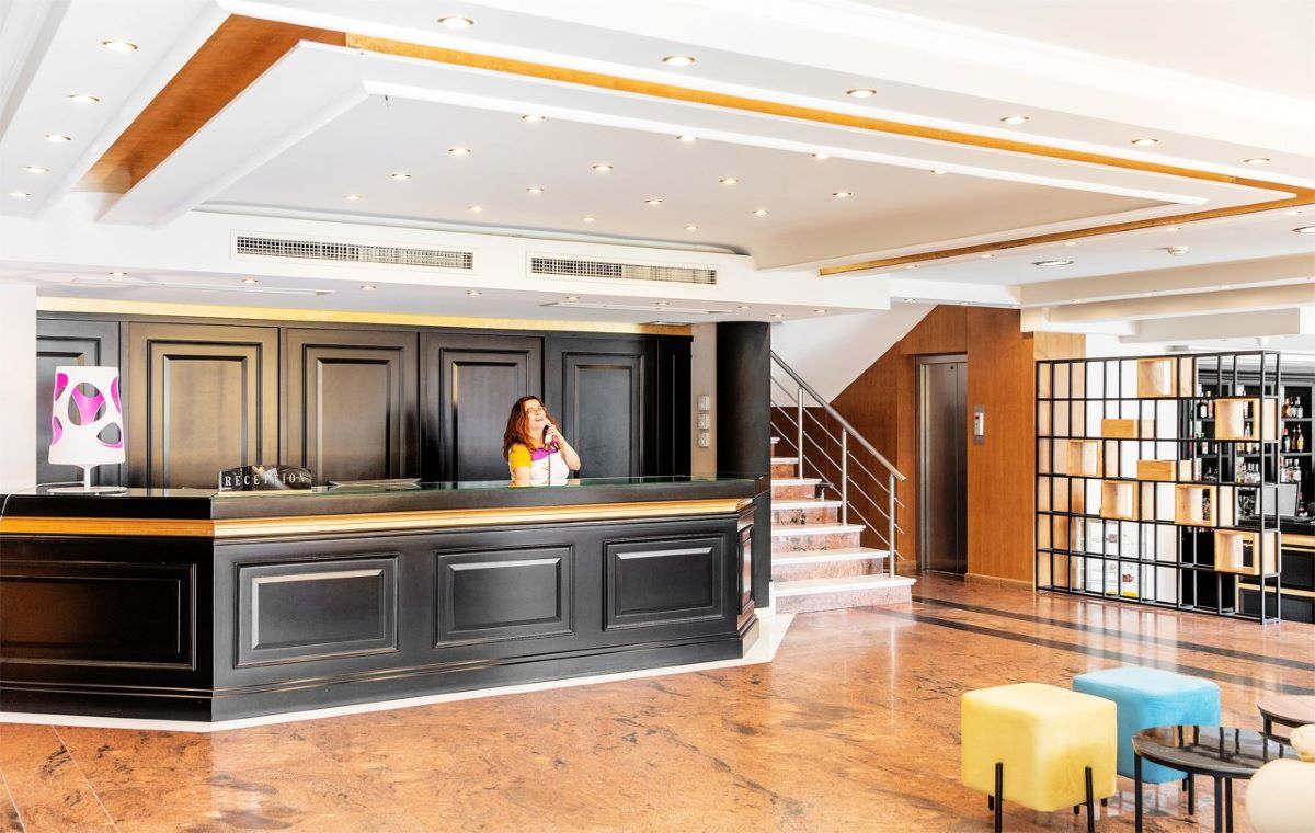Letovanje_Hoteli_Grcka_Olimpska_Regija_Hotel_Mediterranean_Resort_Barcino_Tours-3.jpg