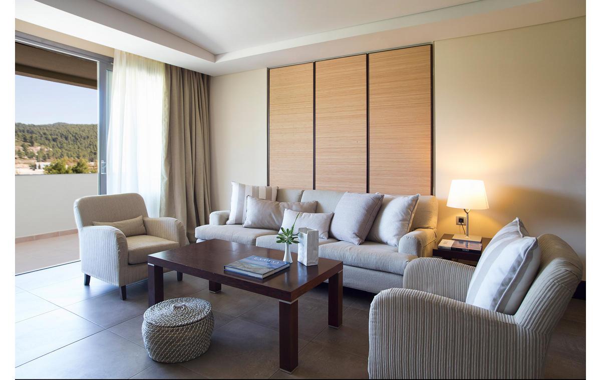 Letovanje_Hoteli_Grcka_Sitonija_Hotel_Porto_Carras_Meliton_Barcino_Tours-4.jpg