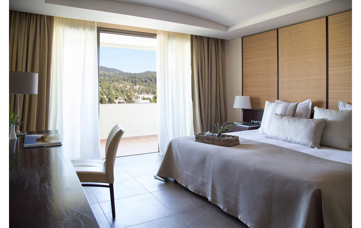 Letovanje_Hoteli_Grcka_Sitonija_Hotel_Porto_Carras_Meliton_Barcino_Tours-5.jpg