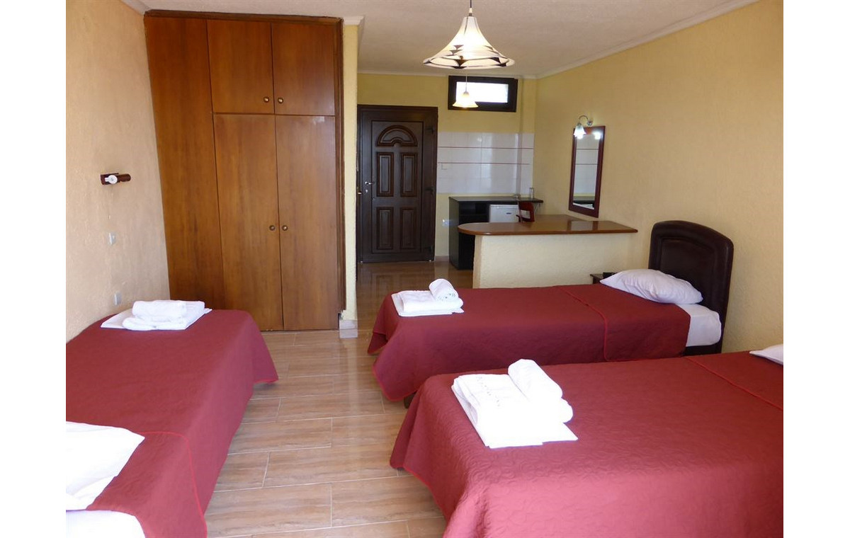 Letovanje_Hoteli_Grcka_Sitonija_Hotel_Porto_Matina_Barcino_Tours-15.jpg