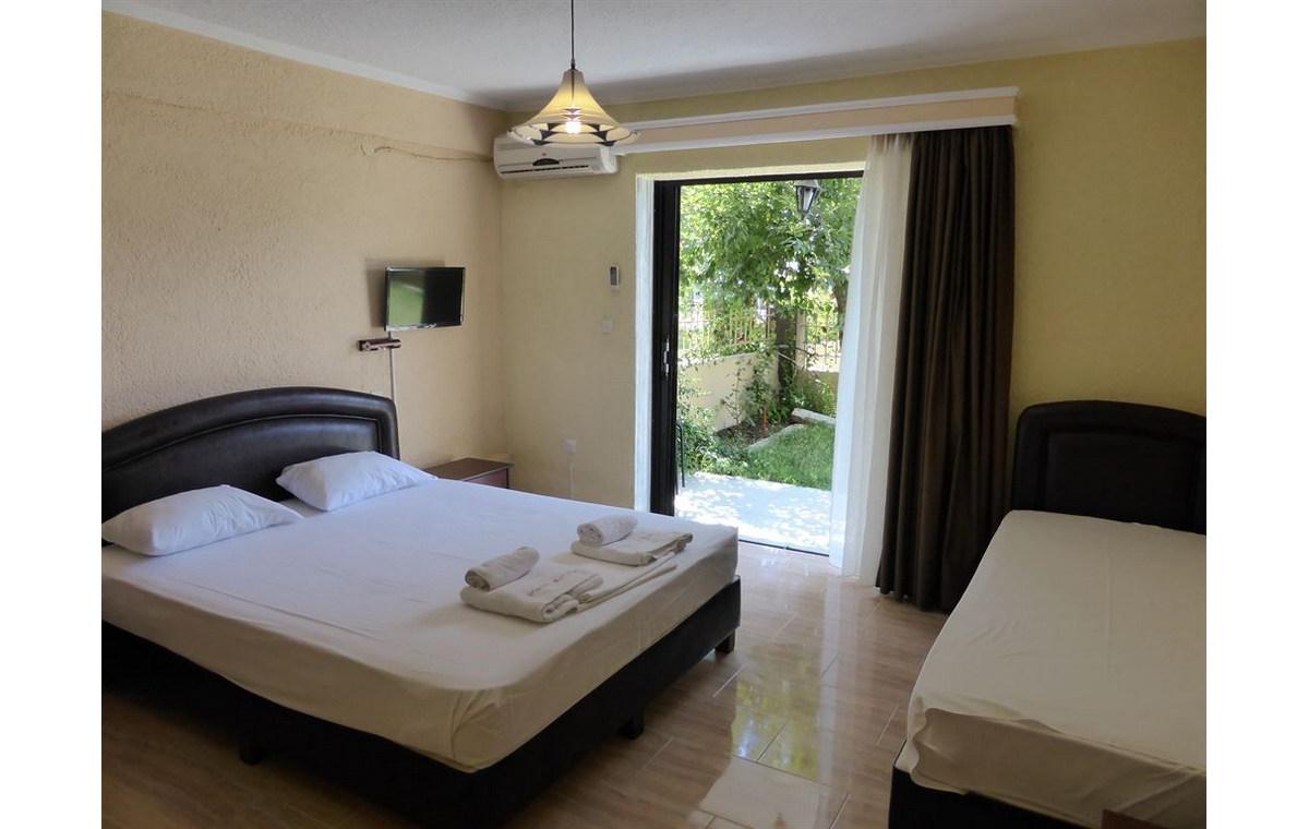 Letovanje_Hoteli_Grcka_Sitonija_Hotel_Porto_Matina_Barcino_Tours-9.jpg
