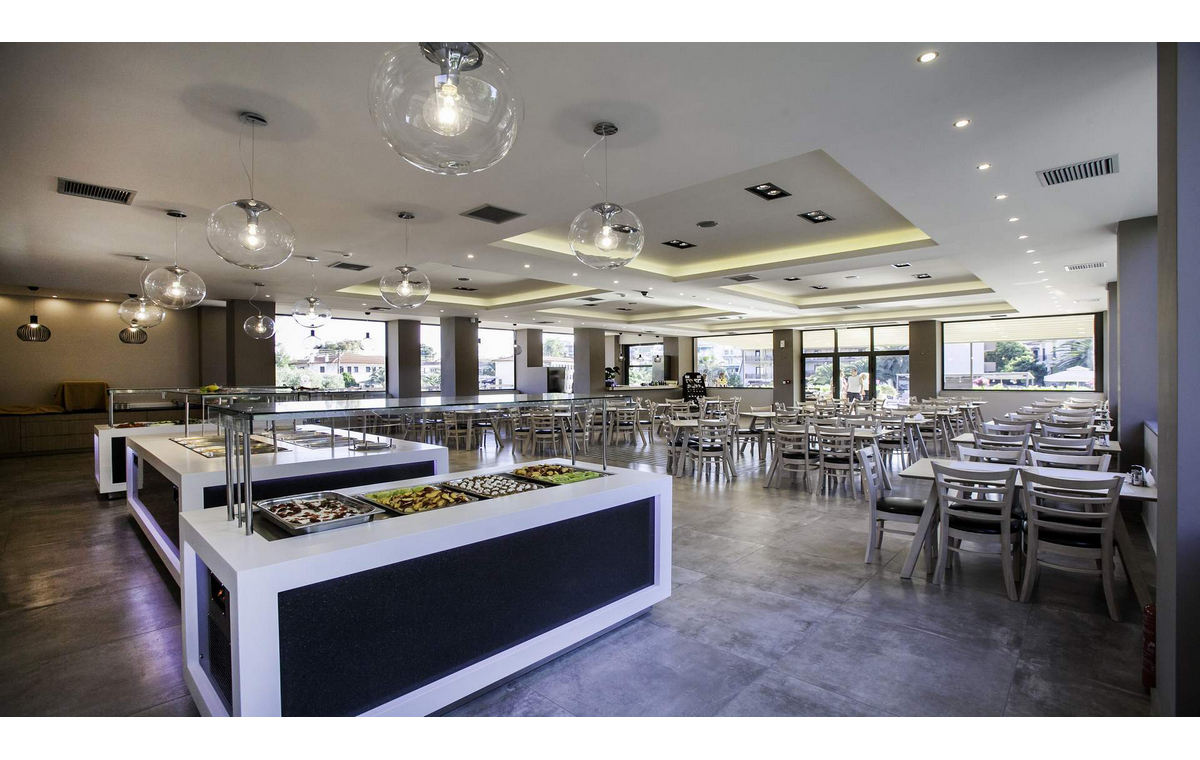 Letovanje_Hoteli_Grcka_Sitonija_Hotel_Simeon_Barcino_Tours-11.jpg
