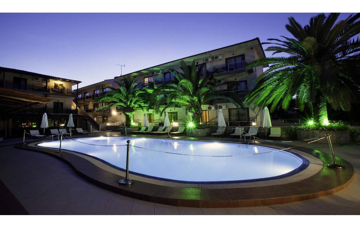 Letovanje_Hoteli_Grcka_Sitonija_Hotel_Simeon_Barcino_Tours-15.jpg