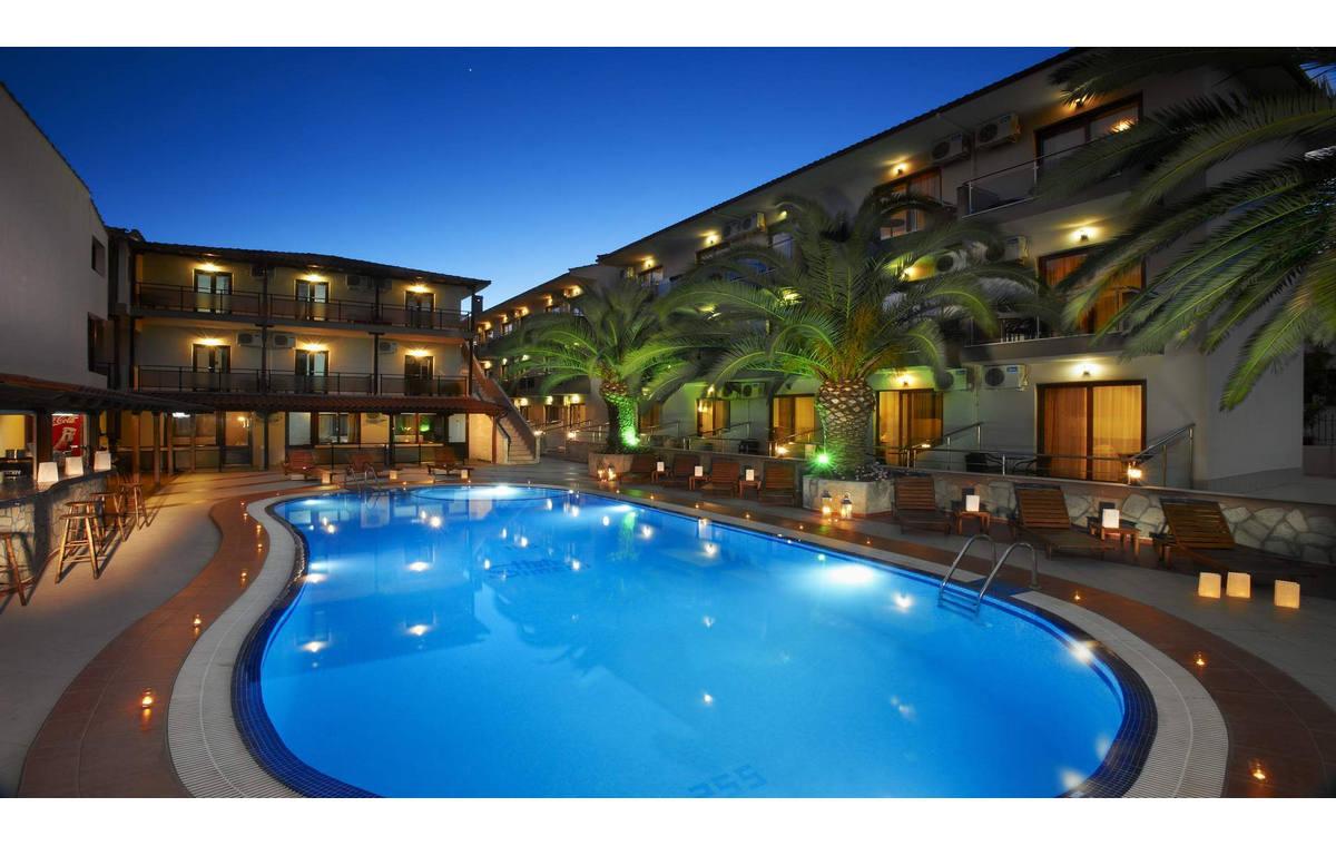 Letovanje_Hoteli_Grcka_Sitonija_Hotel_Simeon_Barcino_Tours-17.jpg