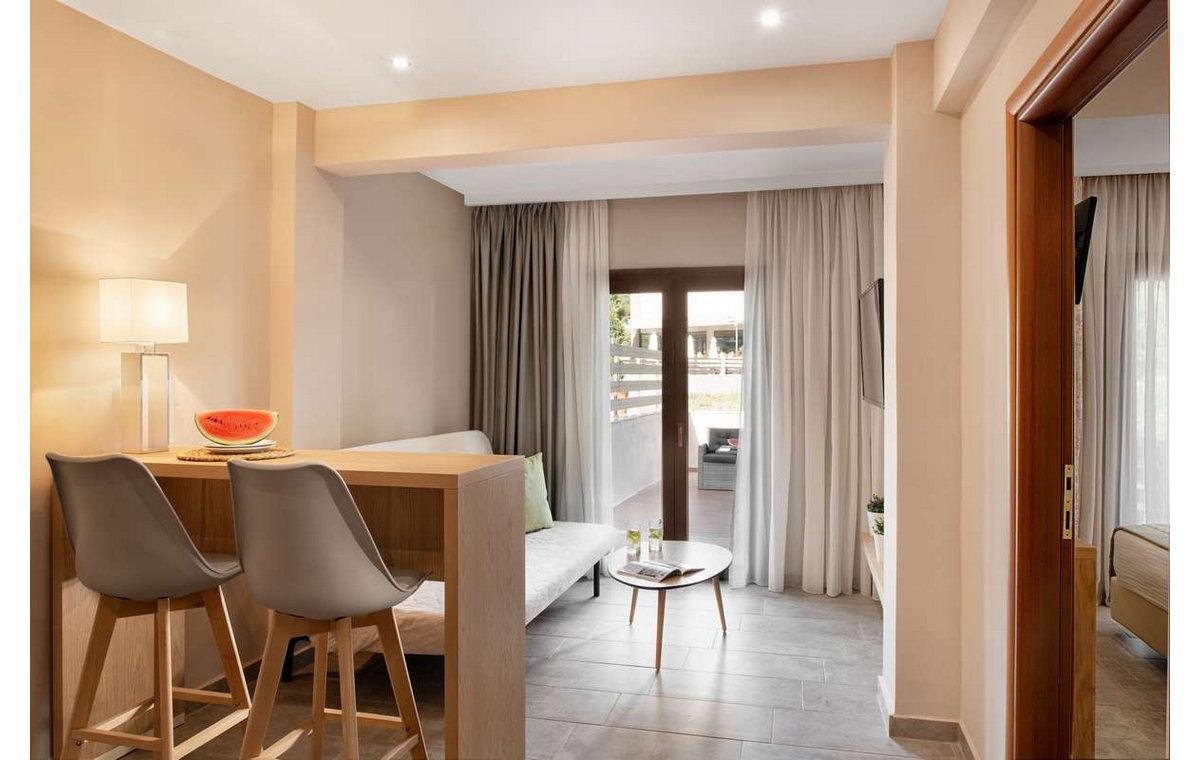 Letovanje_Hoteli_Grcka_Sitonija_Hotel_Simeon_Barcino_Tours-2.jpg
