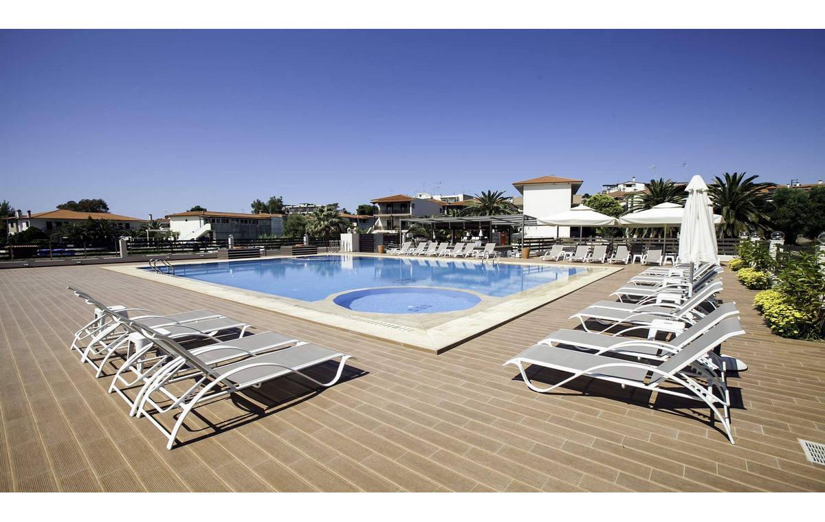 Letovanje_Hoteli_Grcka_Sitonija_Hotel_Simeon_Barcino_Tours-8.jpg
