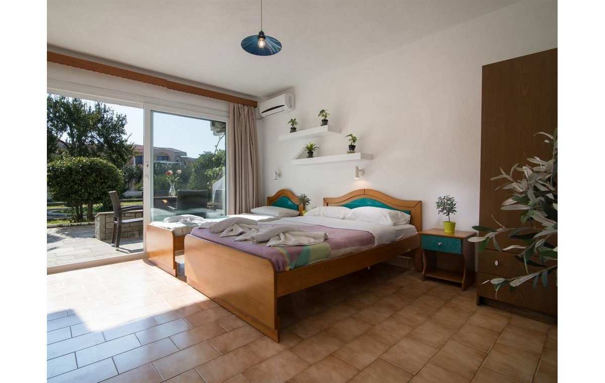 Letovanje_Hoteli_Grcka_Sitonija_Hotel_Toroni_Blue_Sea_Barcino_Tours-1.jpg