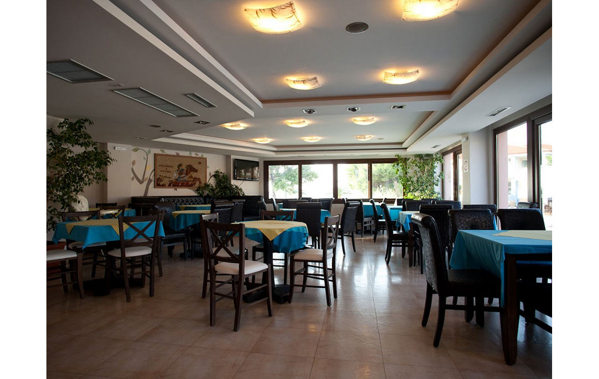 Letovanje_Hoteli_Grcka_Sitonija_Hotel_Toroni_Blue_Sea_Barcino_Tours-16.jpg