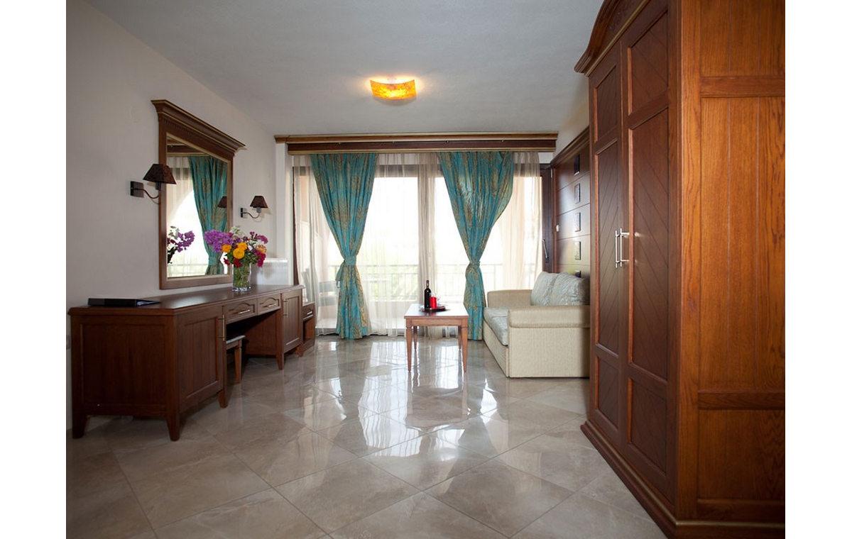 Letovanje_Hoteli_Grcka_Sitonija_Hotel_Toroni_Blue_Sea_Barcino_Tours-18.jpg