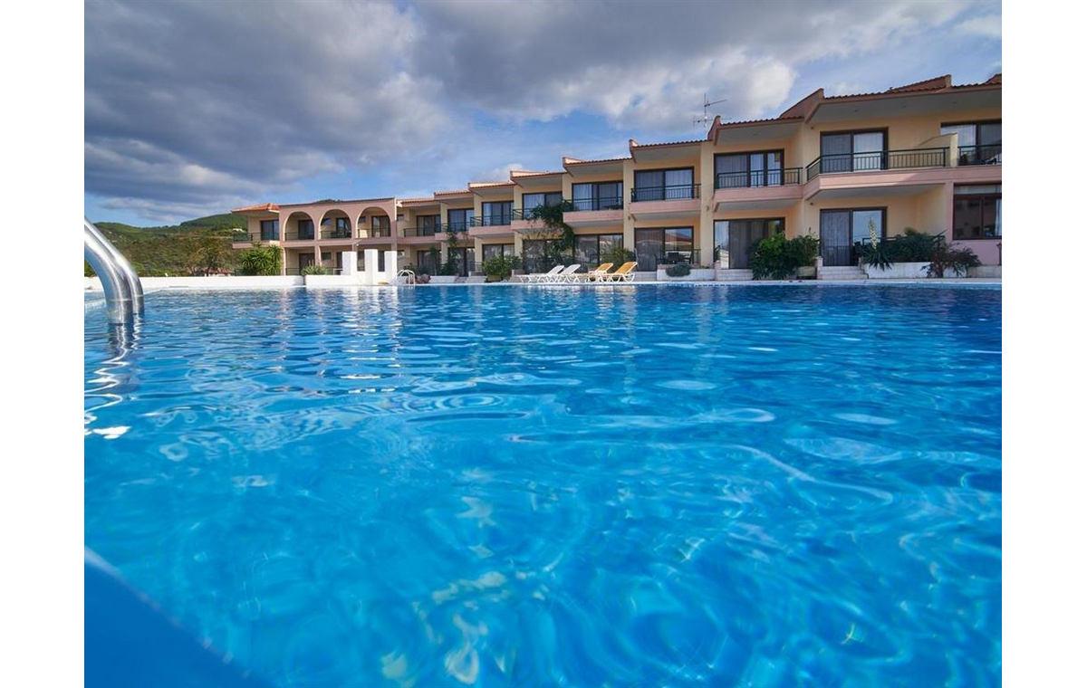 Letovanje_Hoteli_Grcka_Sitonija_Hotel_Toroni_Blue_Sea_Barcino_Tours-3.jpg