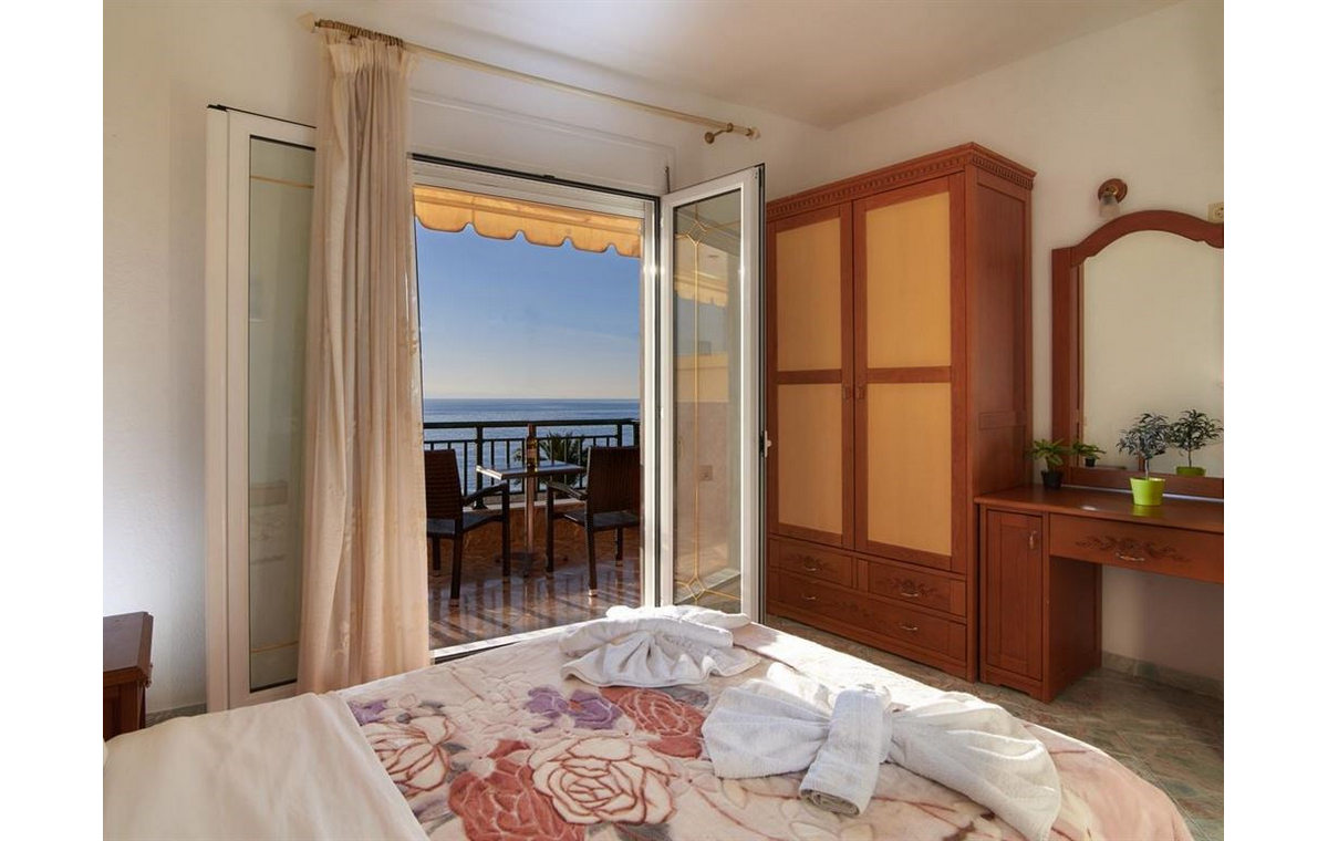 Letovanje_Hoteli_Grcka_Sitonija_Hotel_Toroni_Blue_Sea_Barcino_Tours-4.jpg