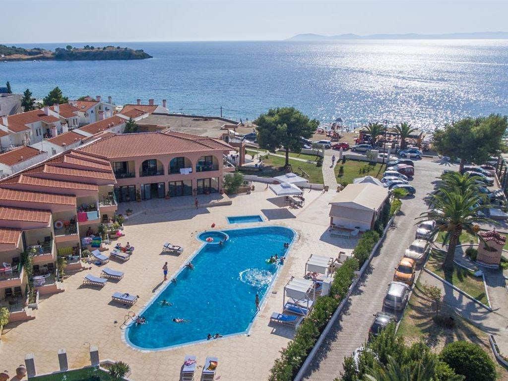 Letovanje_Hoteli_Grcka_Sitonija_Hotel_Toroni_Blue_Sea_Barcino_Tours-8.jpg