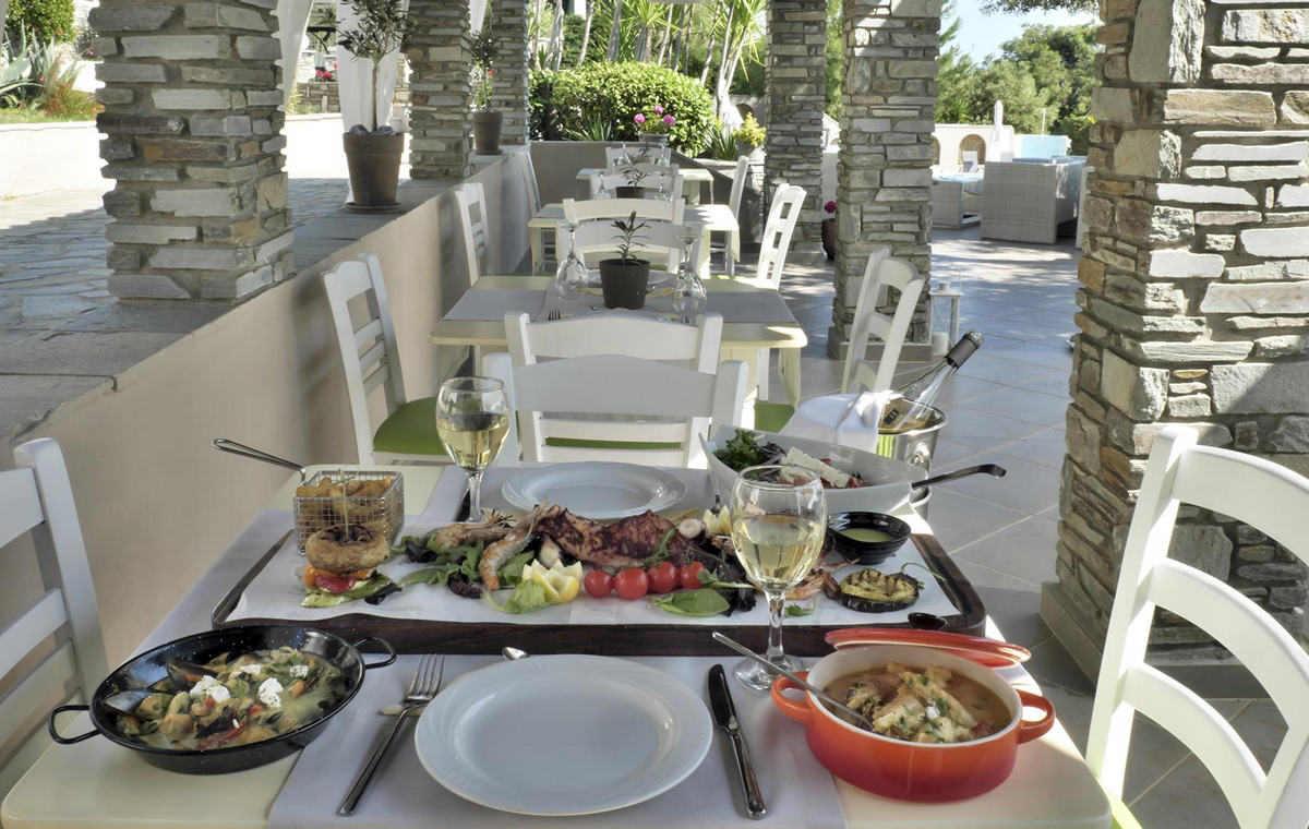 dining001.jpg