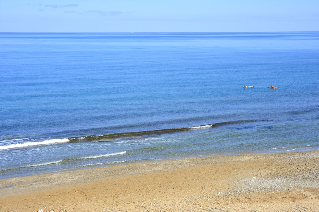 BEACH-4-min.jpg