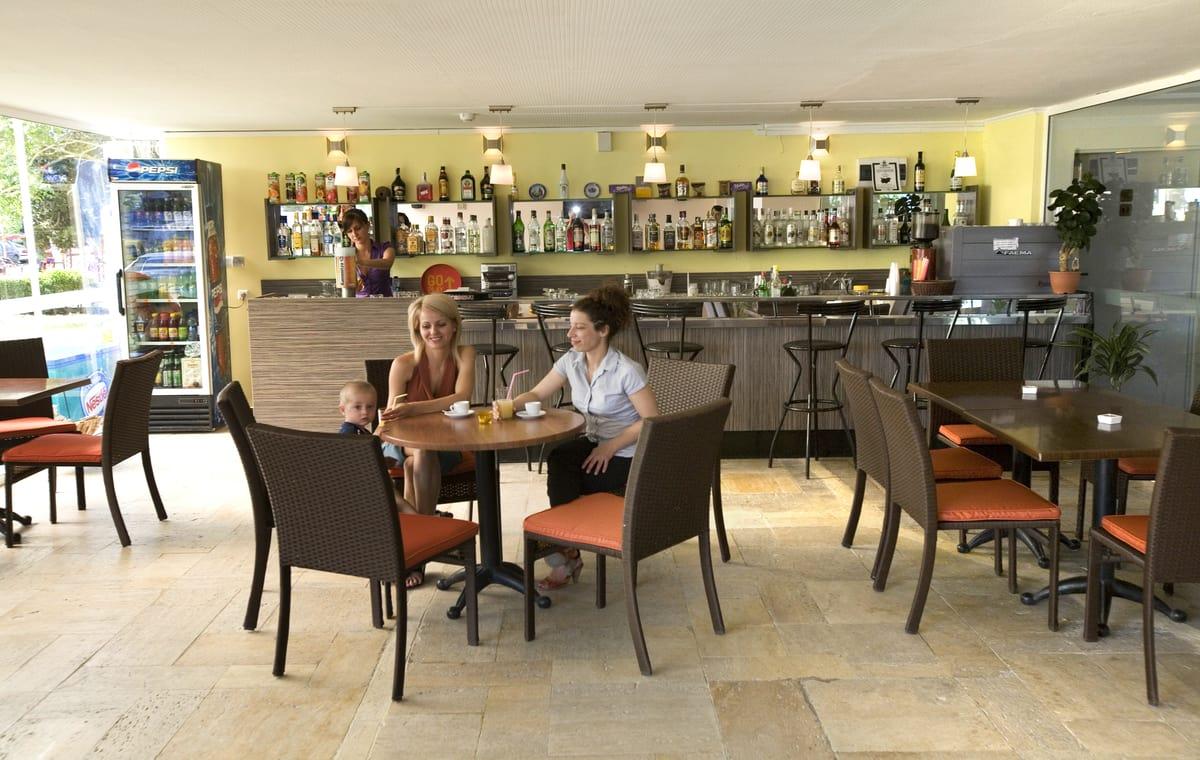 Letovanje_Bugarska_Hoteli_Suncev_Breg_Continental_Prima_Hotel_Barcino_Tours-9.jpg
