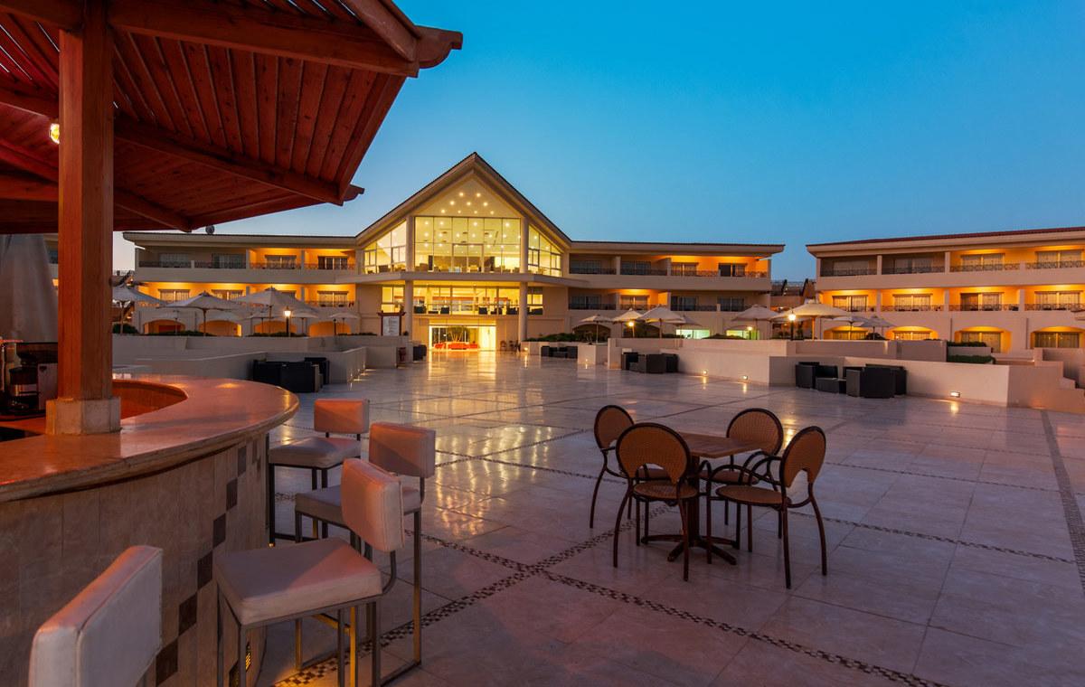 Letovanje_Egipat_Hoteli_Avio_Hurgada_Hotel_Cleopatra_Luxury_Resort-2-1.jpg