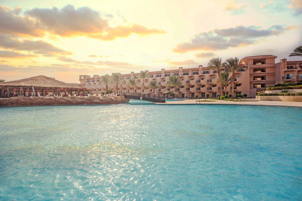 Letovanje_Egipat_Hoteli_Avio_Hurgada_Hotel_Pyramisa_Sahl_Hasheesh-1.jpg