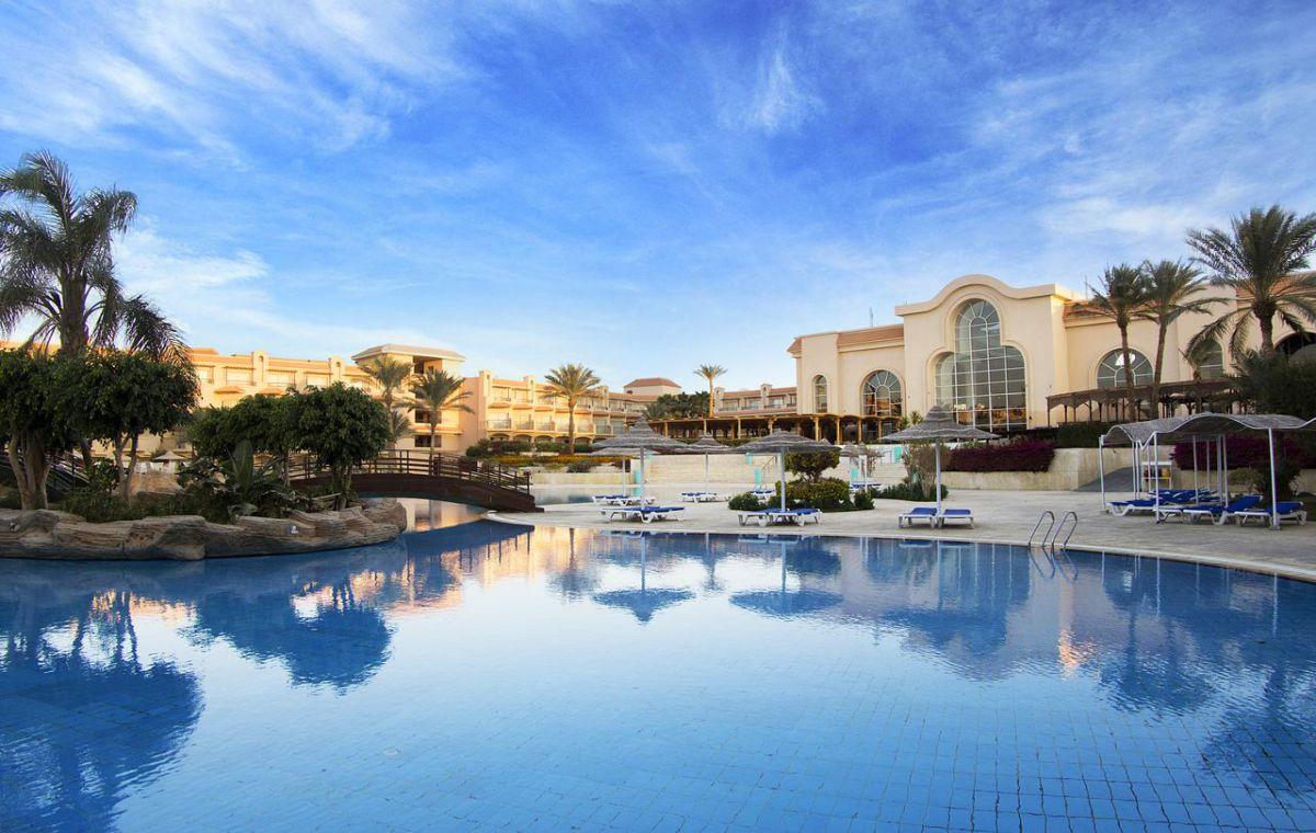 Letovanje_Egipat_Hoteli_Avio_Hurgada_Hotel_Pyramisa_Sahl_Hasheesh_Beach_Resort-1-1.jpg