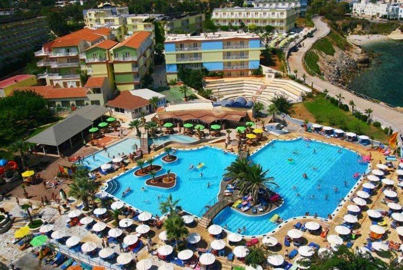 Letovanje_Grcka_Hoteli_Avio_Krit_Hotel_Eri_Beach-10-1.jpg
