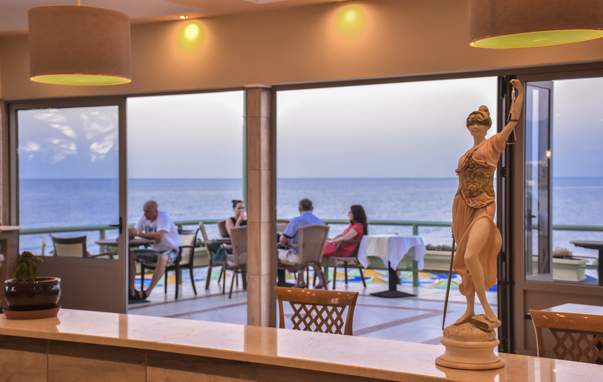 Letovanje_Grcka_Hoteli_Avio_Krit_Hotel_Eri_Beach-6-1.jpg