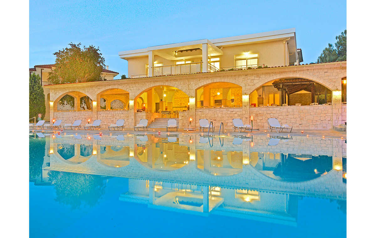 Letovanje_Grcka_Hoteli_Halkidiki_Kasandra-_Portes_Beach_Barcino_Tours-1.jpg