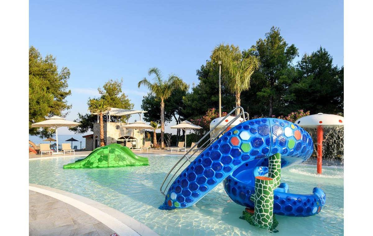 Letovanje_Grcka_Hoteli_Halkidiki_Kasandra-_Portes_Beach_Barcino_Tours-10.jpg