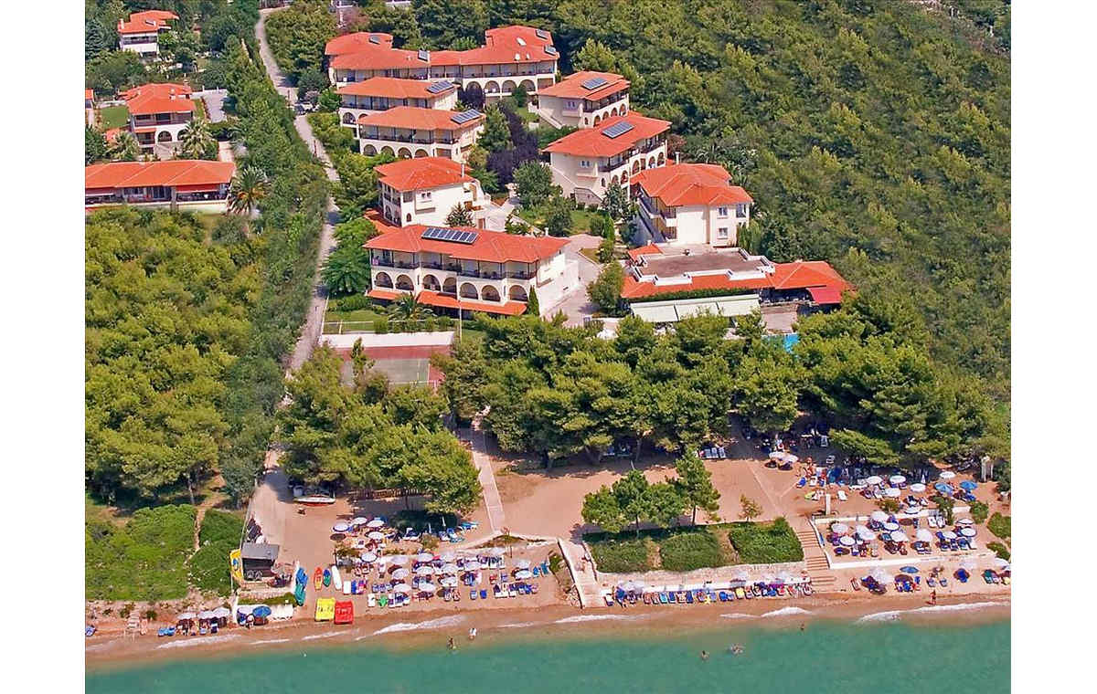 Letovanje_Grcka_Hoteli_Halkidiki_Kasandra-_Portes_Beach_Barcino_Tours-17.jpg