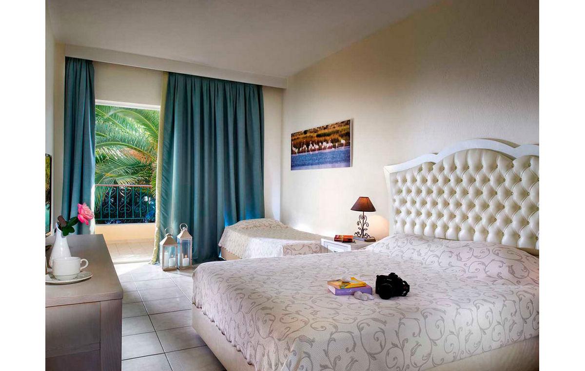 Letovanje_Grcka_Hoteli_Halkidiki_Kasandra-_Portes_Beach_Barcino_Tours-22.jpg