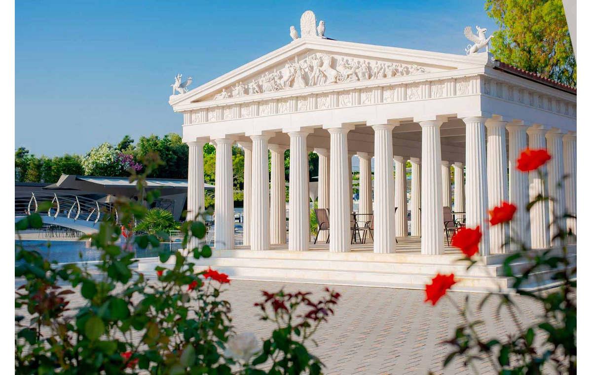 Letovanje_Grcka_Hoteli_Halkidiki_Kasandra-_Potidea_Palace_Barcino_Tours-1.jpg