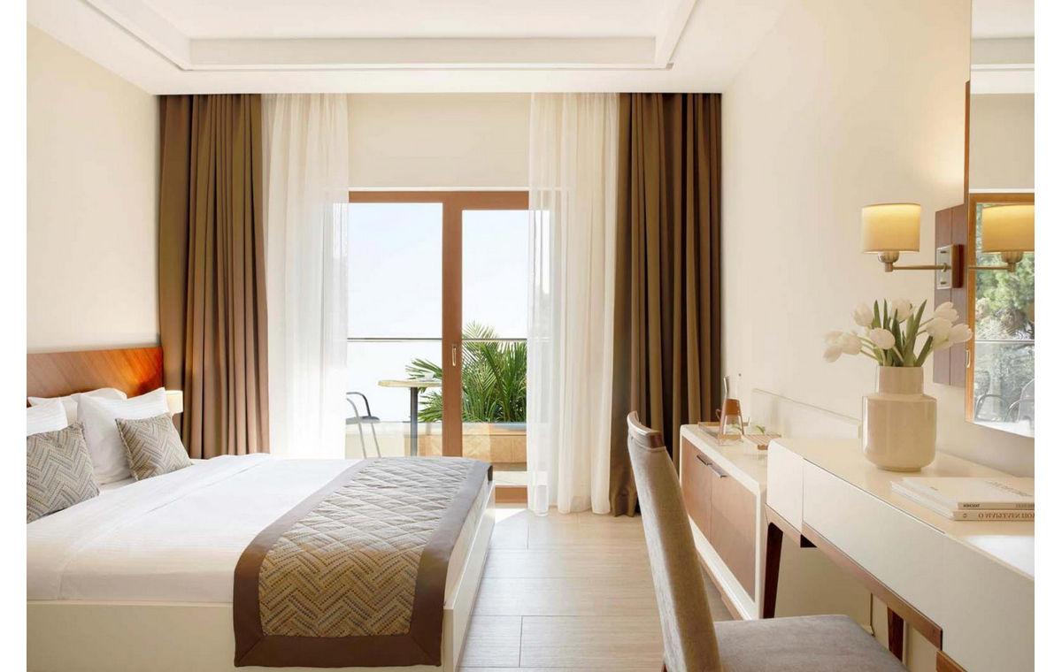 Letovanje_Grcka_Hoteli_Halkidiki_Kasandra-_Potidea_Palace_Barcino_Tours-6.jpg