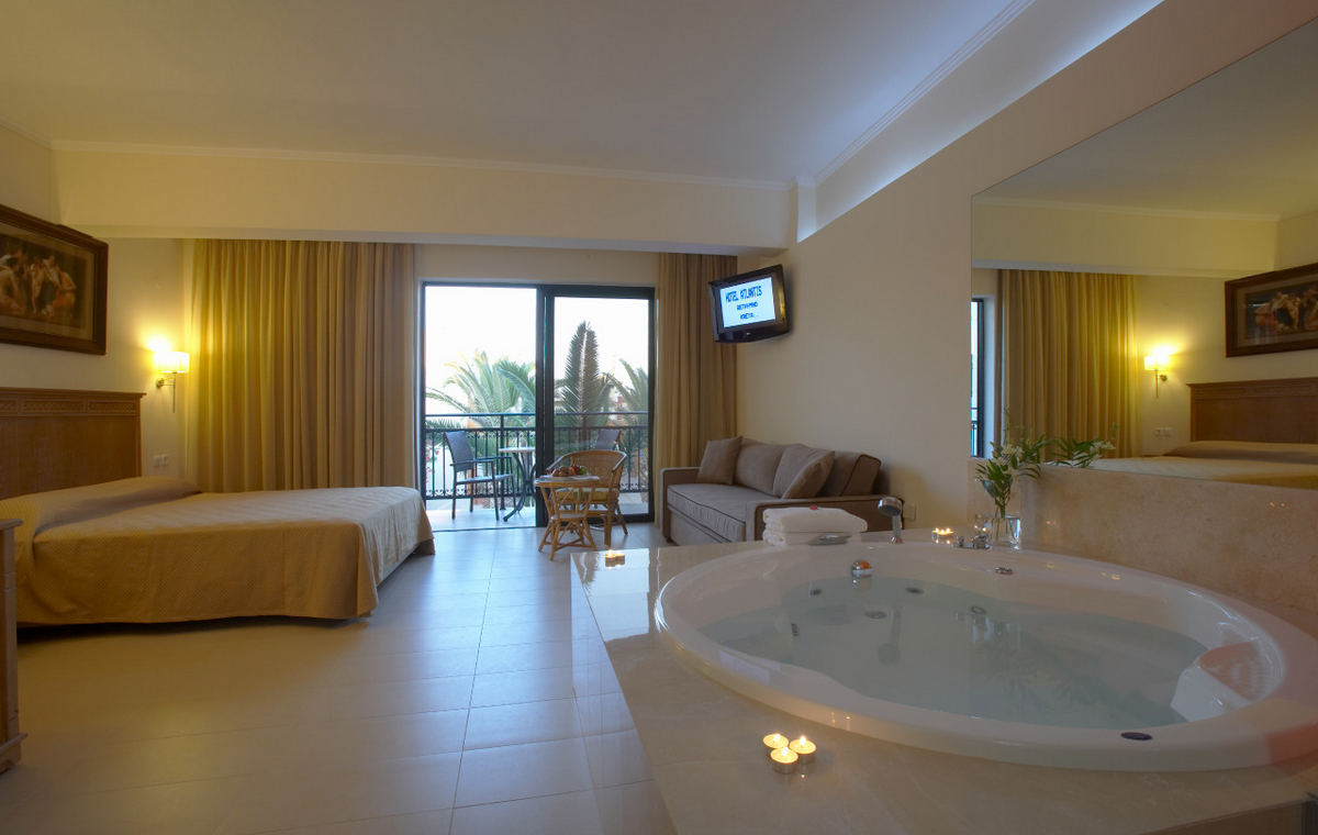 Letovanje_Grcka_Hoteli_Krit_Retimno_Hotel_Atlantis_Beach-2-1.jpg