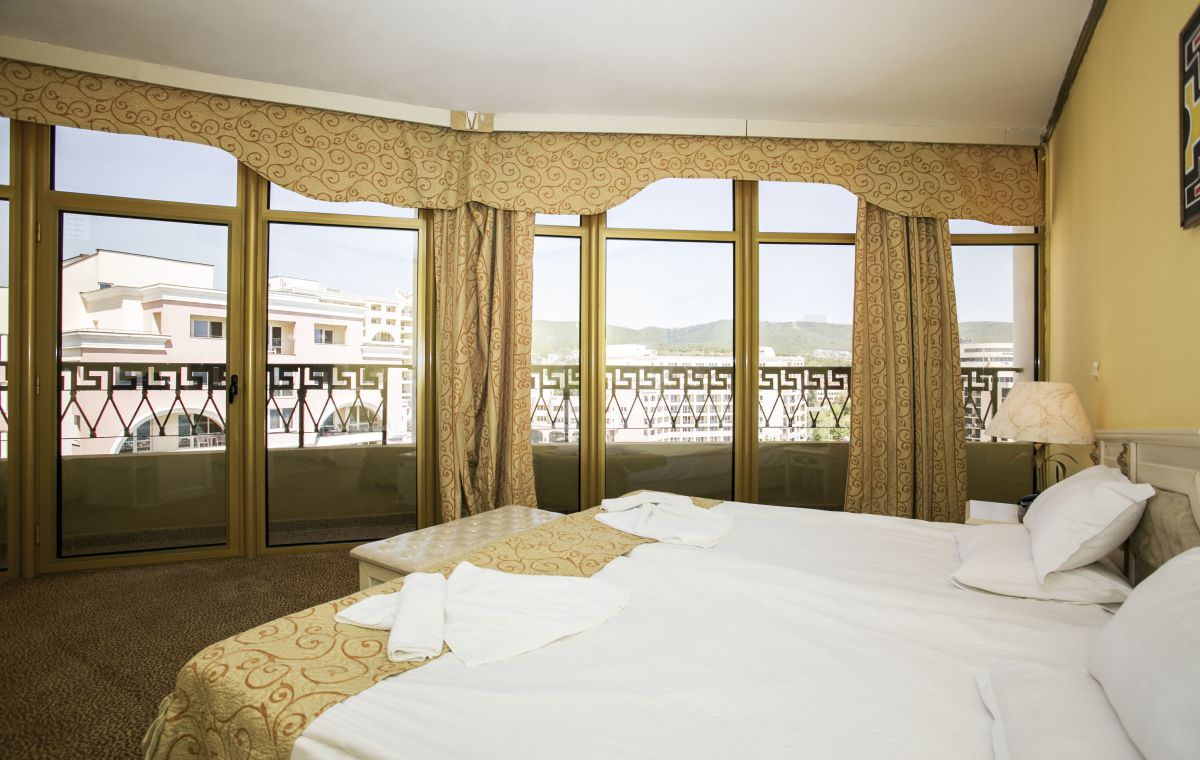 Letovanje_Hoteli_Bugarska_Suncev_Breg_Imperial_Palace_Barcino_Tours-3.jpg