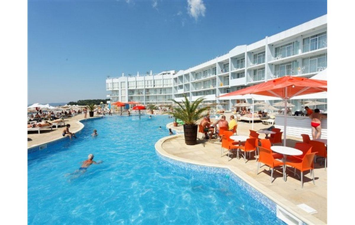 Letovanje_Hoteli_Bugarska_Sv_Konstantin-_-i_Helena_Dolphin_Marina_Barcino_Tours-1.jpg