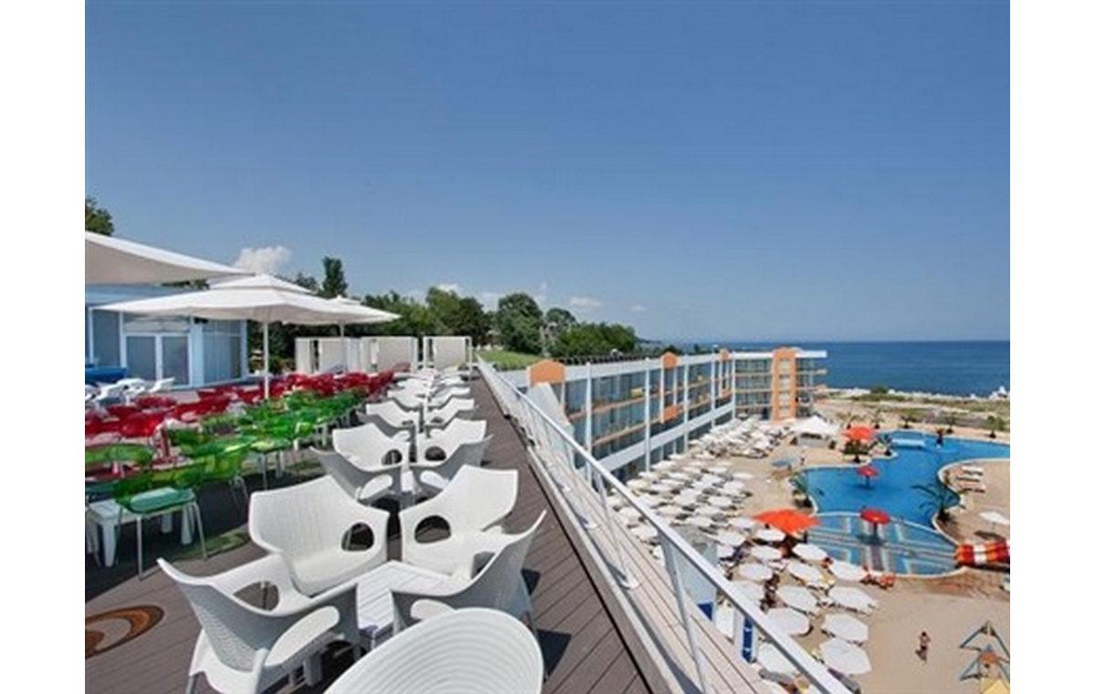 Letovanje_Hoteli_Bugarska_Sv_Konstantin-_-i_Helena_Dolphin_Marina_Barcino_Tours-2.jpg