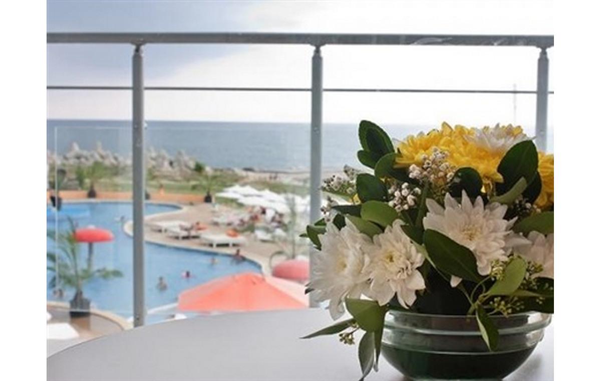Letovanje_Hoteli_Bugarska_Sv_Konstantin-_-i_Helena_Dolphin_Marina_Barcino_Tours-4.jpg