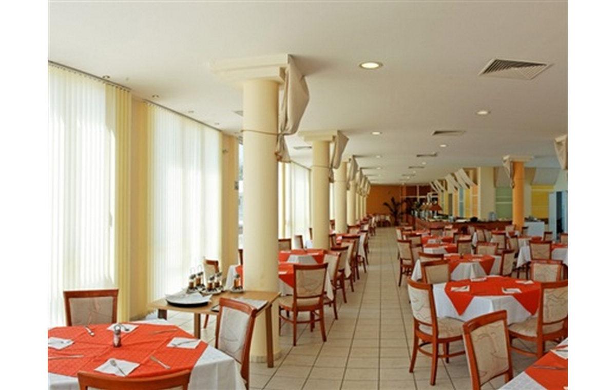 Letovanje_Hoteli_Bugarska_Sv_Konstantin-_-i_Helena_Dolphin_Marina_Barcino_Tours-7.jpg