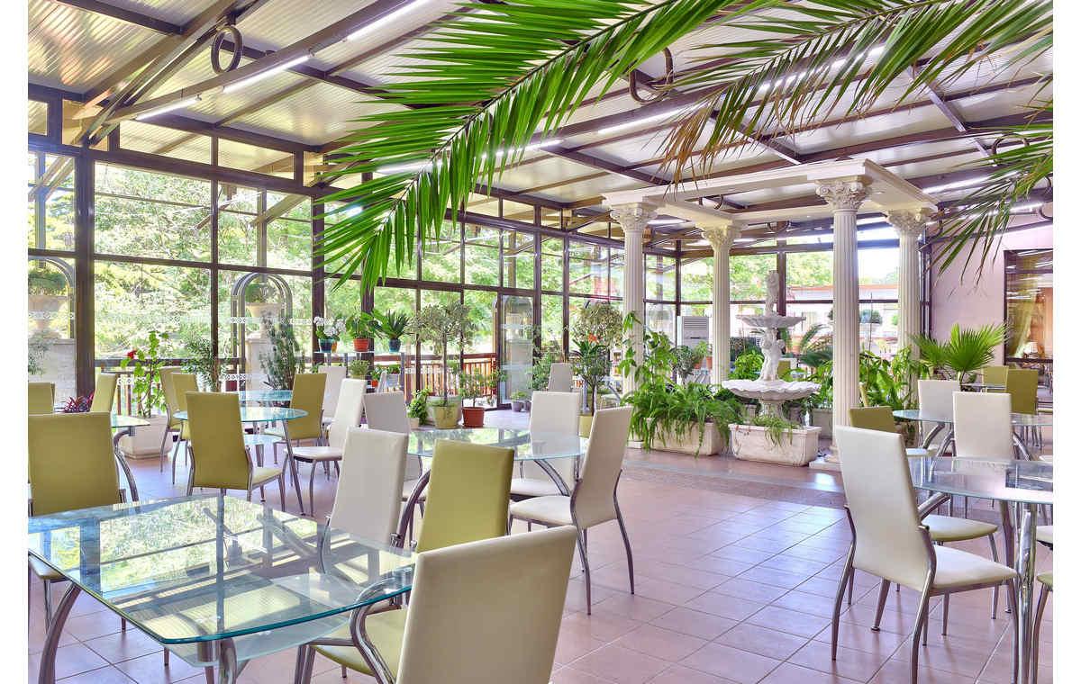 Letovanje_Hoteli_Bugarska_Sv_Konstantin-_-i_Helena_Estreya_Palace_Barcino_Tours-6.jpg