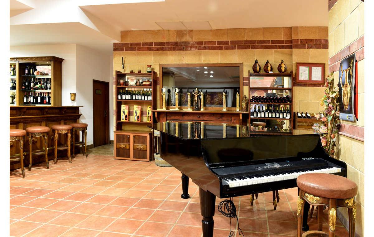 Letovanje_Hoteli_Bugarska_Sv_Konstantin-_-i_Helena_Estreya_Residence_Barcino_Tours-2.jpg