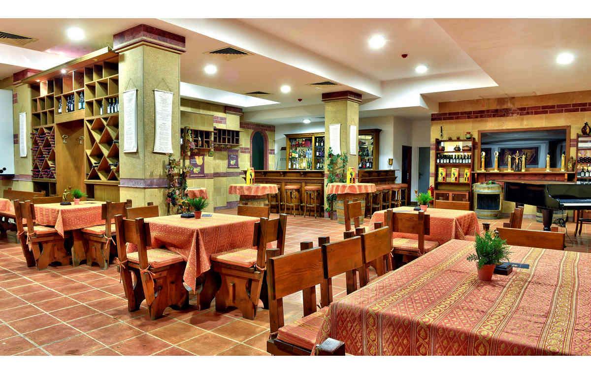 Letovanje_Hoteli_Bugarska_Sv_Konstantin-_-i_Helena_Estreya_Residence_Barcino_Tours-25.jpg