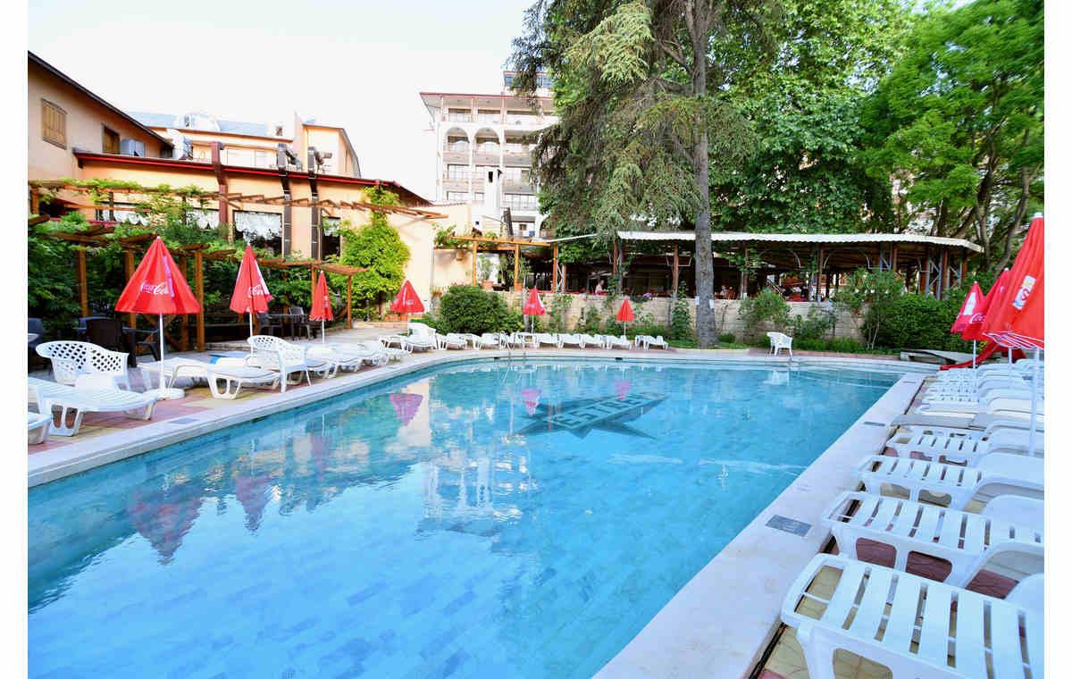 Letovanje_Hoteli_Bugarska_Sv_Konstantin-_-i_Helena_Estreya_Residence_Barcino_Tours-3.jpg