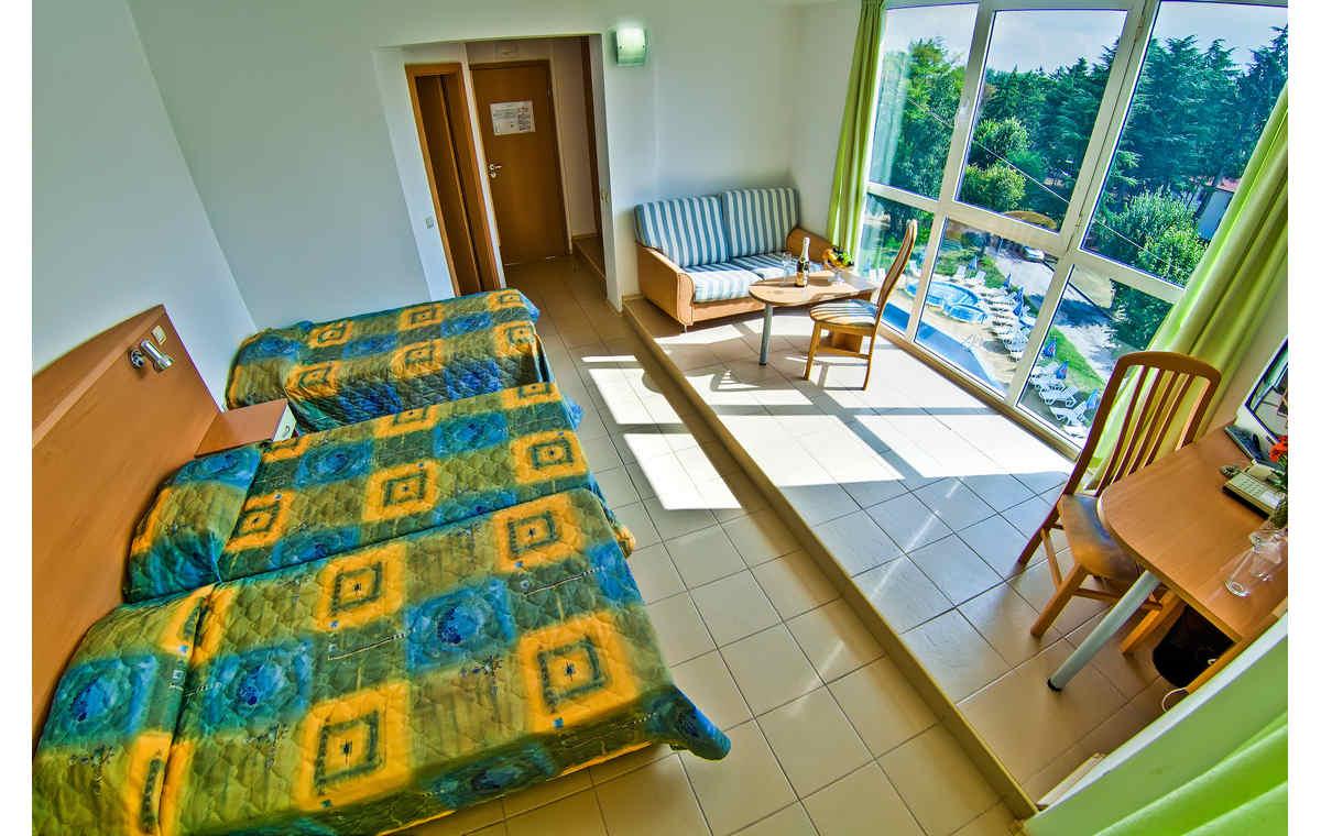 Letovanje_Hoteli_Bugarska_Sv_Konstantin-_-i_Helena_Gloria_Barcino_Tours-8.jpg