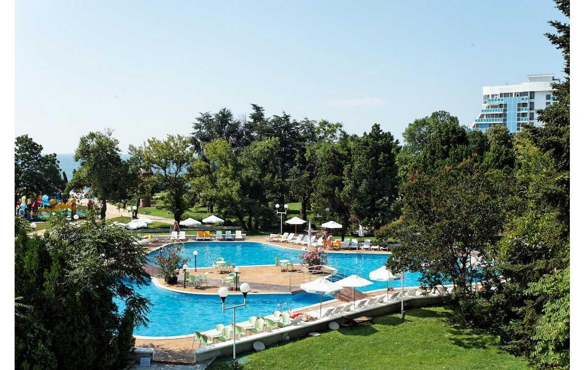 Letovanje_Hoteli_Bugarska_Sv_Konstantin-_-i_Helena_Lebed_Barcino_Tours-13.jpg