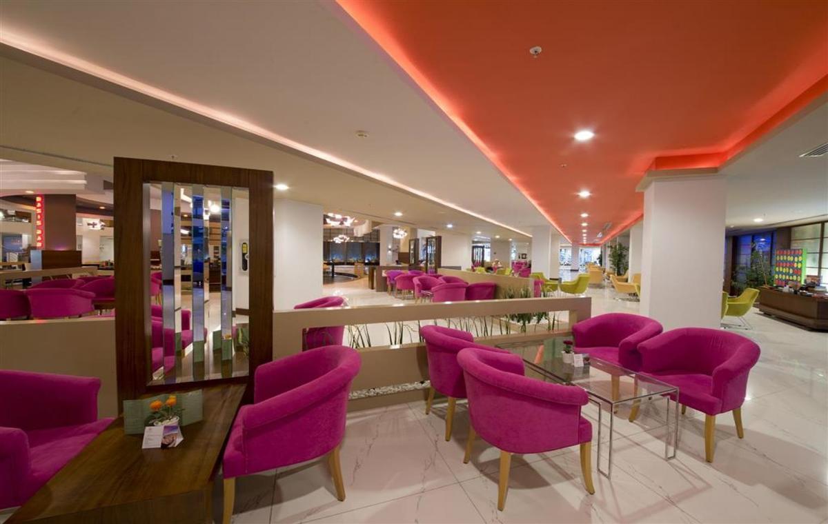 Letovanje_Turska_Avio_Hoteli_Antalija_Limak_Lara_Hotel_Deluxe_Hotel__Resort-17.jpg