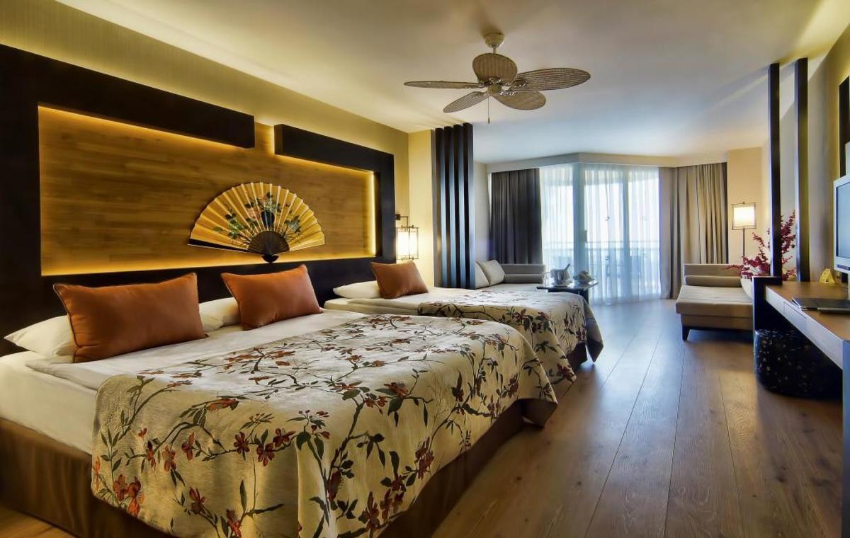 Letovanje_Turska_Avio_Hoteli_Antalija_Limak_Lara_Hotel_Deluxe_Hotel__Resort-18.jpg