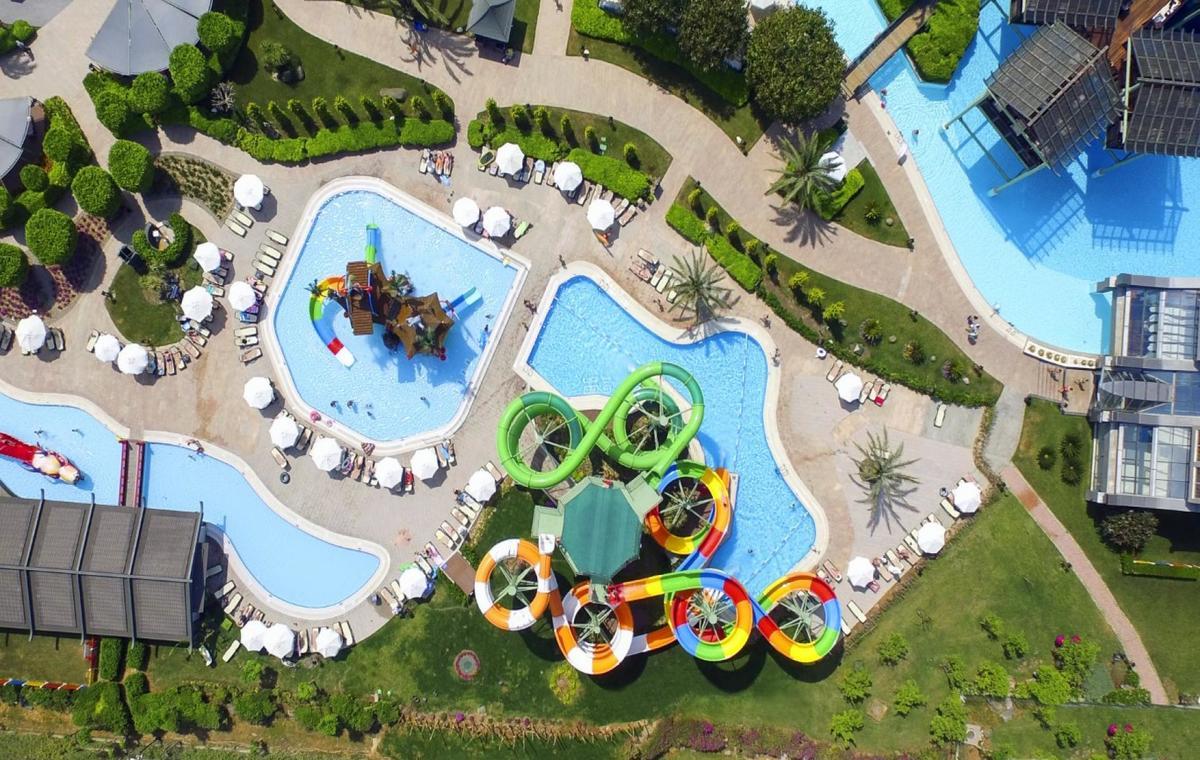 Letovanje_Turska_Avio_Hoteli_Antalija_Limak_Lara_Hotel_Deluxe_Hotel__Resort-25.jpg