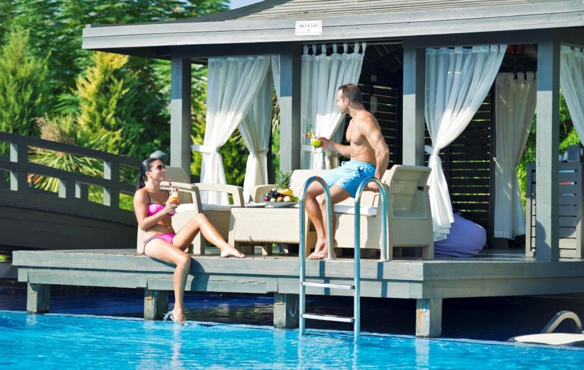 Letovanje_Turska_Avio_Hoteli_Antalija_Limak_Lara_Hotel_Deluxe_Hotel__Resort-4.jpg