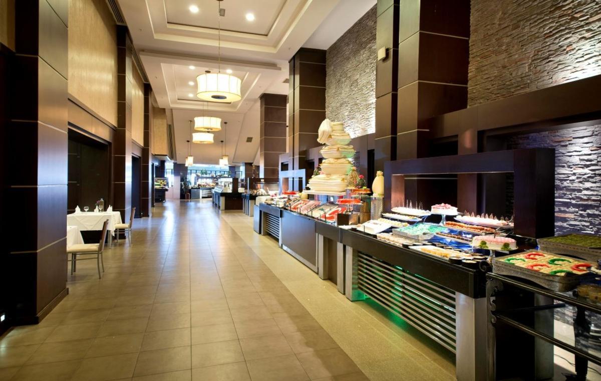 Letovanje_Turska_Avio_Hoteli_Antalija_Limak_Lara_Hotel_Deluxe_Hotel__Resort-9.jpg