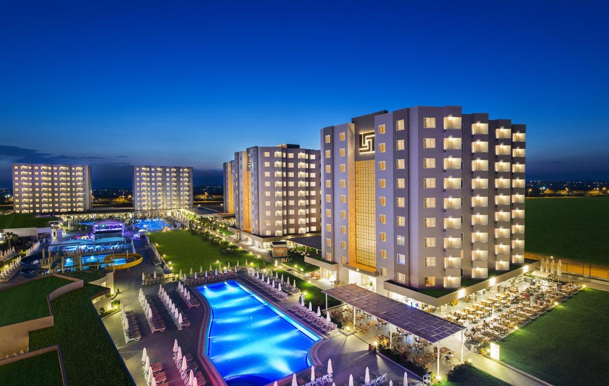 Letovanje_Turska_Hoteli_Avio_Antalija_Hotel_Grand_Park_Lara-1.jpg