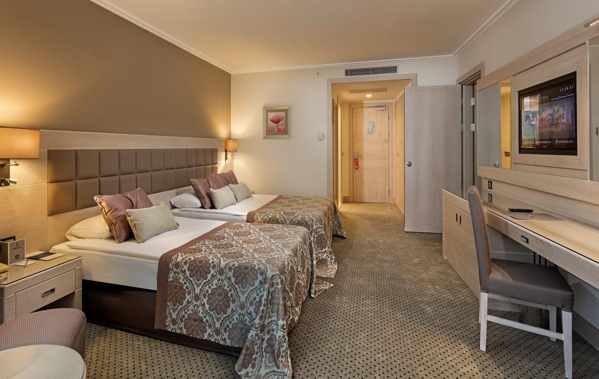 Letovanje_Turska_Hoteli_Avio_Antalija_Hotel_Miracle_Resort-15.jpg